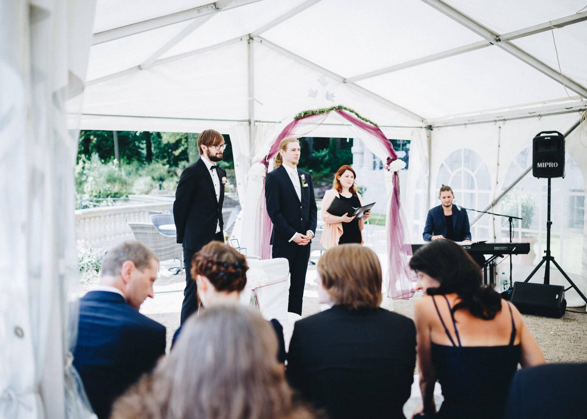 50mmfreunde Hochzeit Poesneck VillaAltenburg 02 - Freie Trauung in der Villa Altenburg