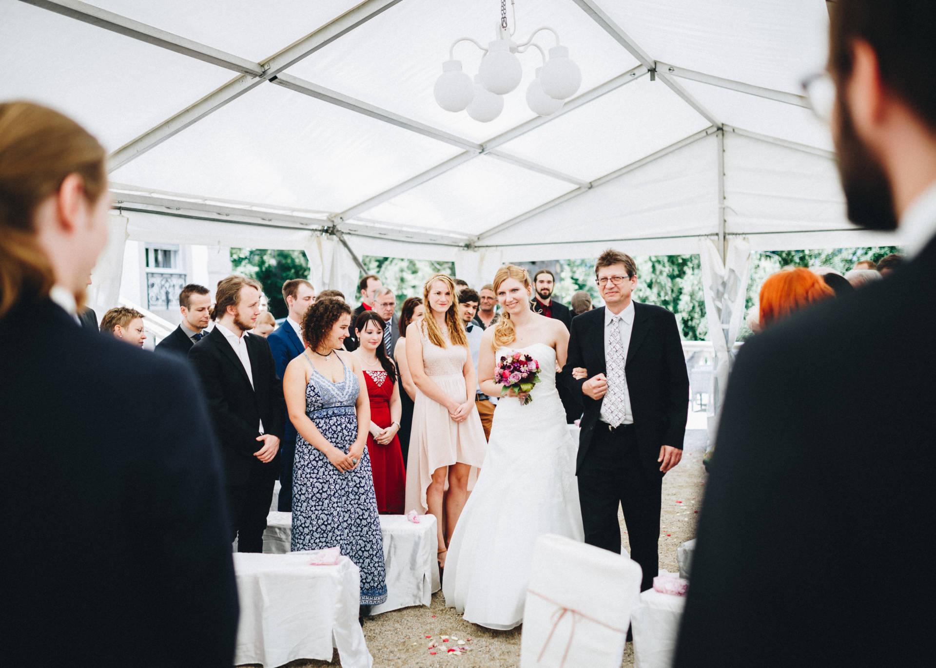 50mmfreunde Hochzeit Poesneck VillaAltenburg 03 - Freie Trauung in der Villa Altenburg
