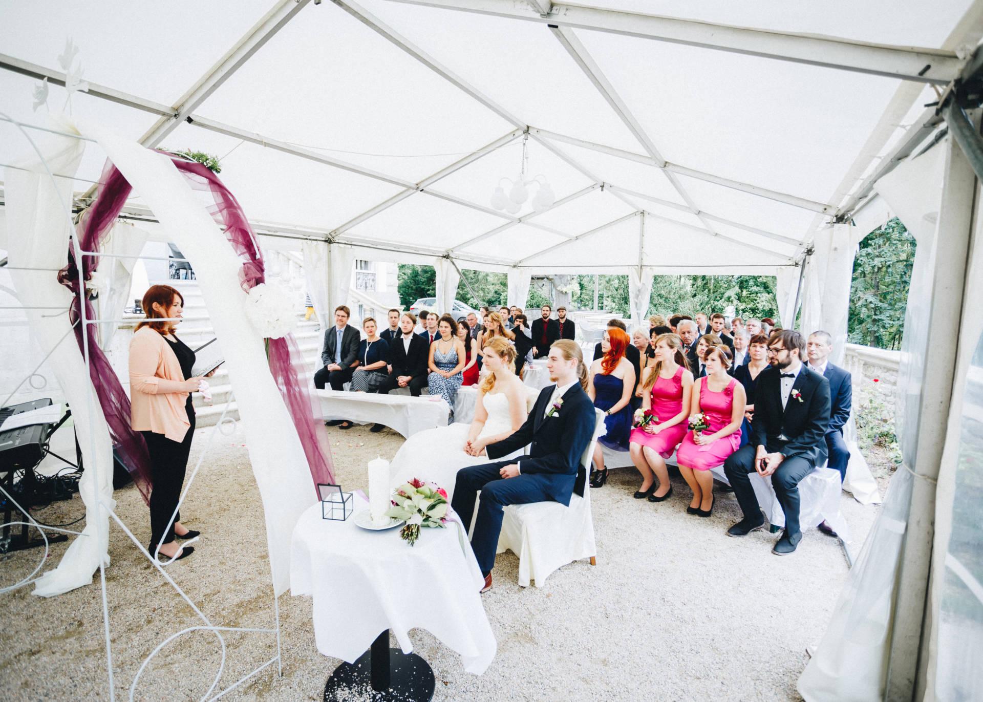 50mmfreunde Hochzeit Poesneck VillaAltenburg 08 - Freie Trauung in der Villa Altenburg