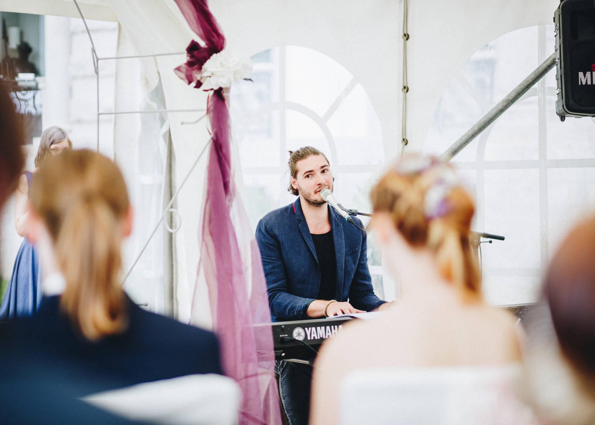 50mmfreunde Hochzeit Poesneck VillaAltenburg 10 - Freie Trauung in der Villa Altenburg