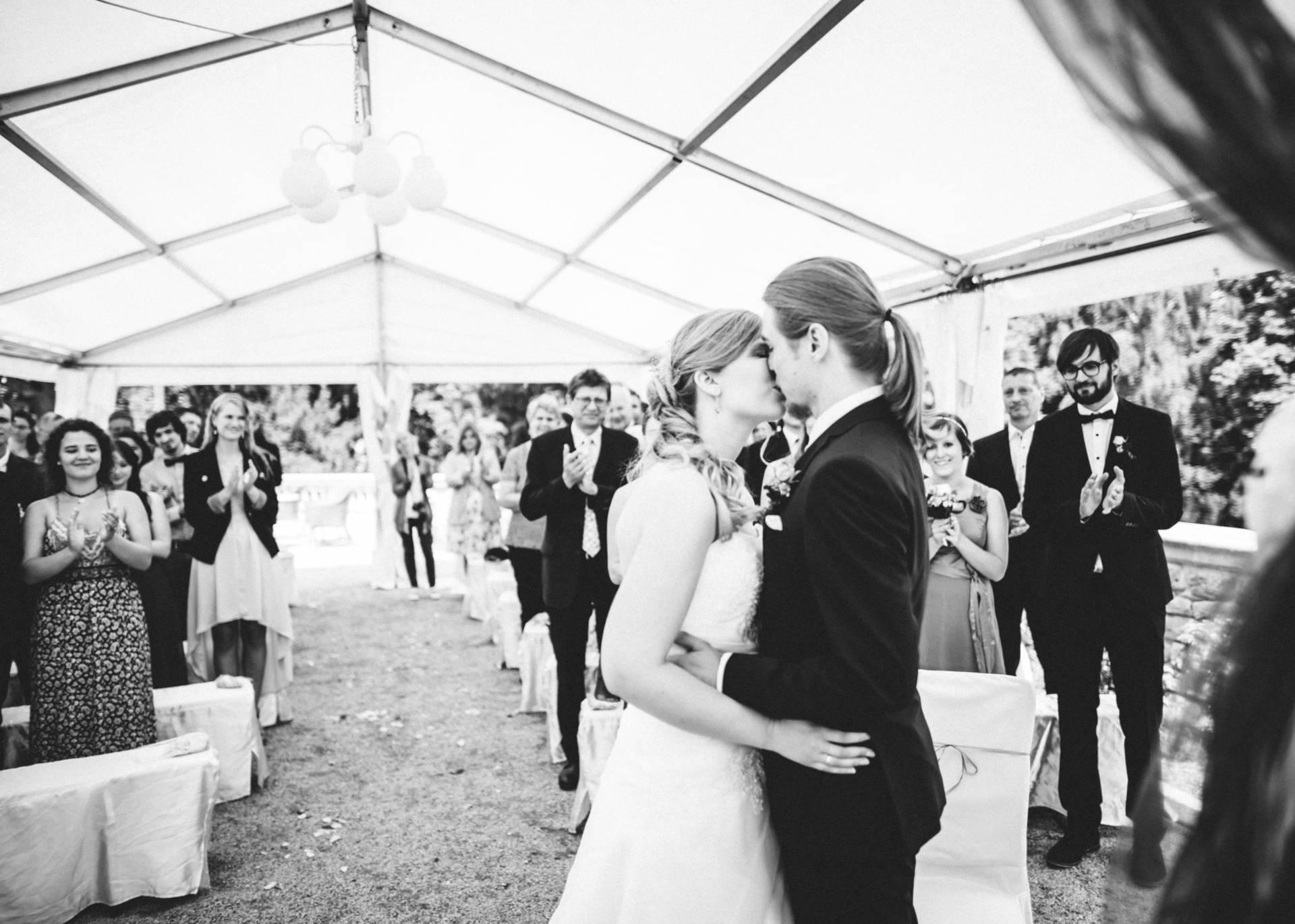 50mmfreunde Hochzeit Poesneck VillaAltenburg 14 - Freie Trauung in der Villa Altenburg