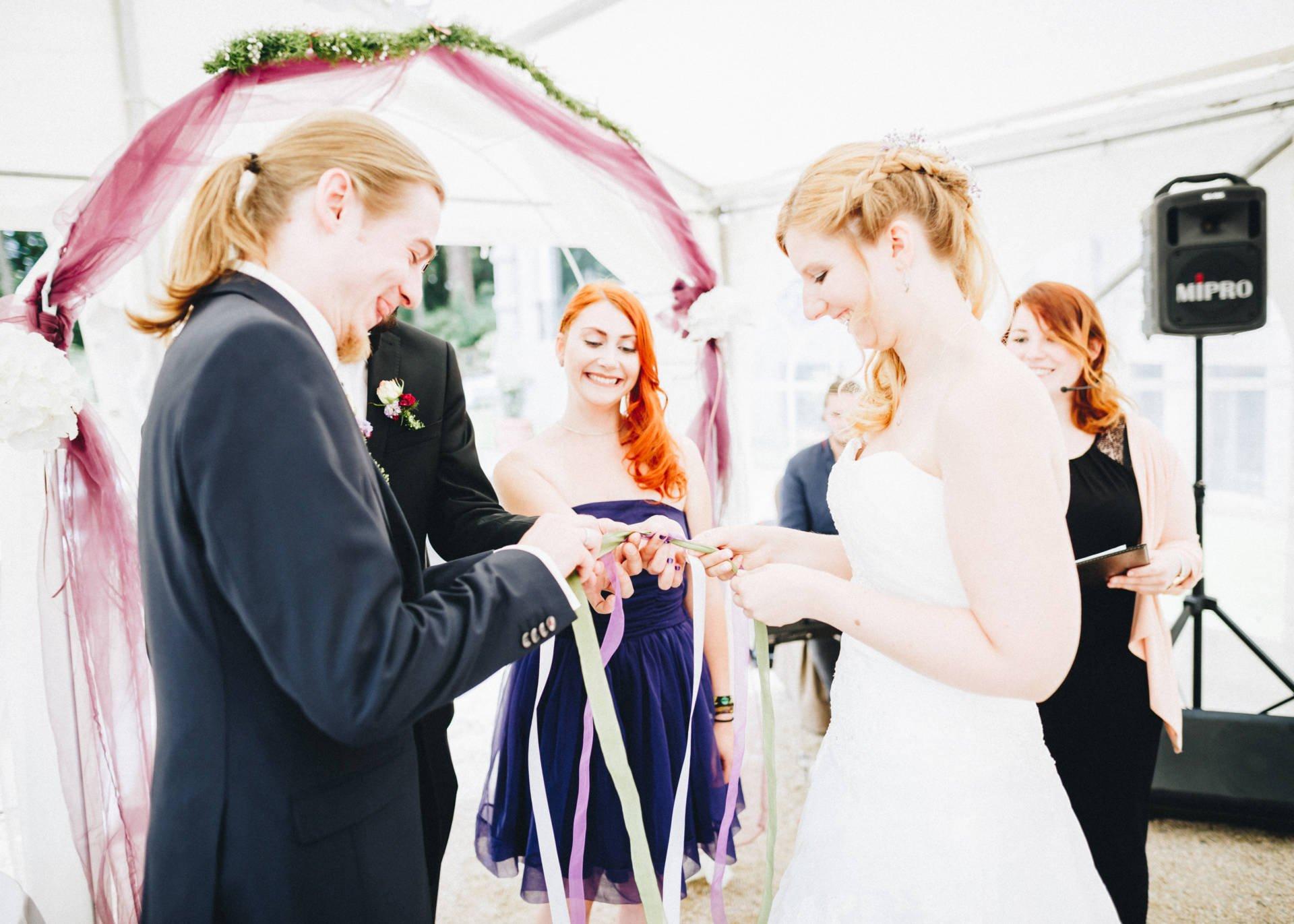 50mmfreunde Hochzeit Poesneck VillaAltenburg 16 - Freie Trauung in der Villa Altenburg