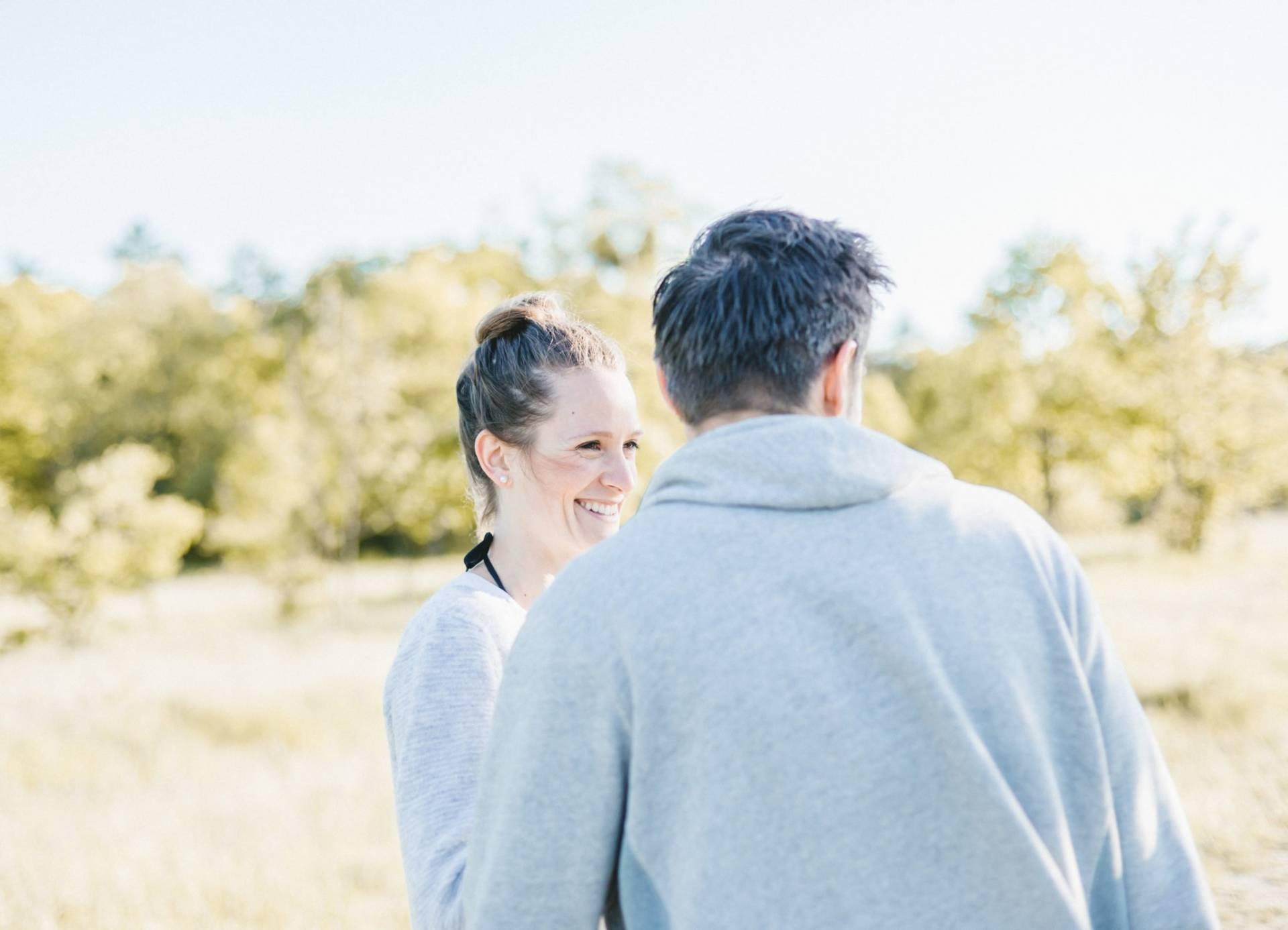Liebesgeschichte, Portfolio | Verlobungsshooting auf dem Windknollen | 16