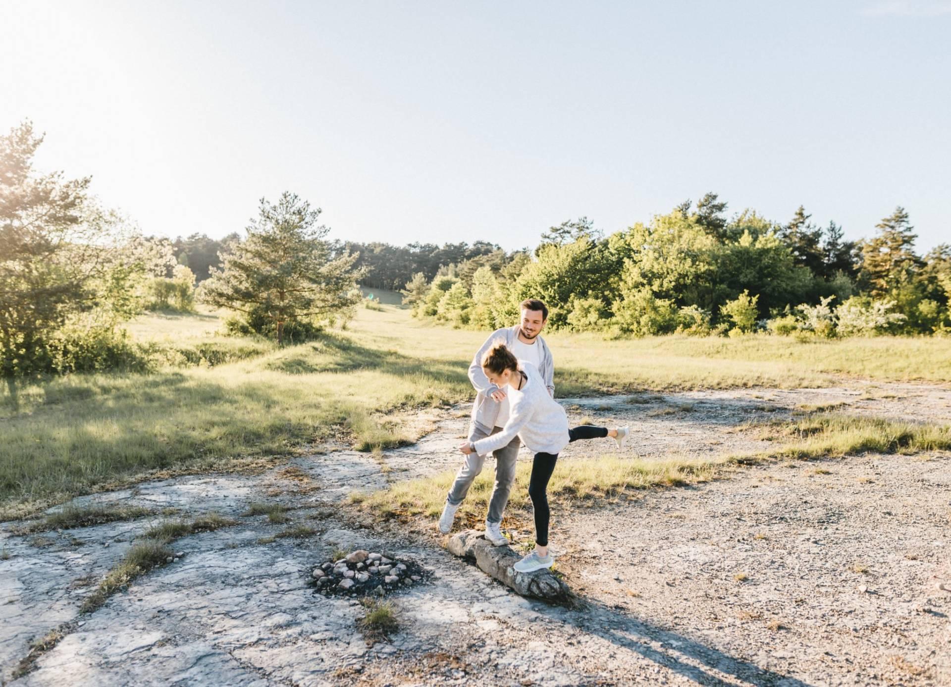 Liebesgeschichte, Portfolio | Verlobungsshooting auf dem Windknollen | 26