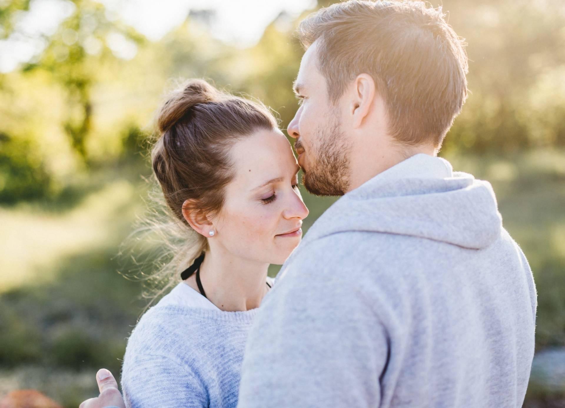 Liebesgeschichte, Portfolio | Verlobungsshooting auf dem Windknollen | 36