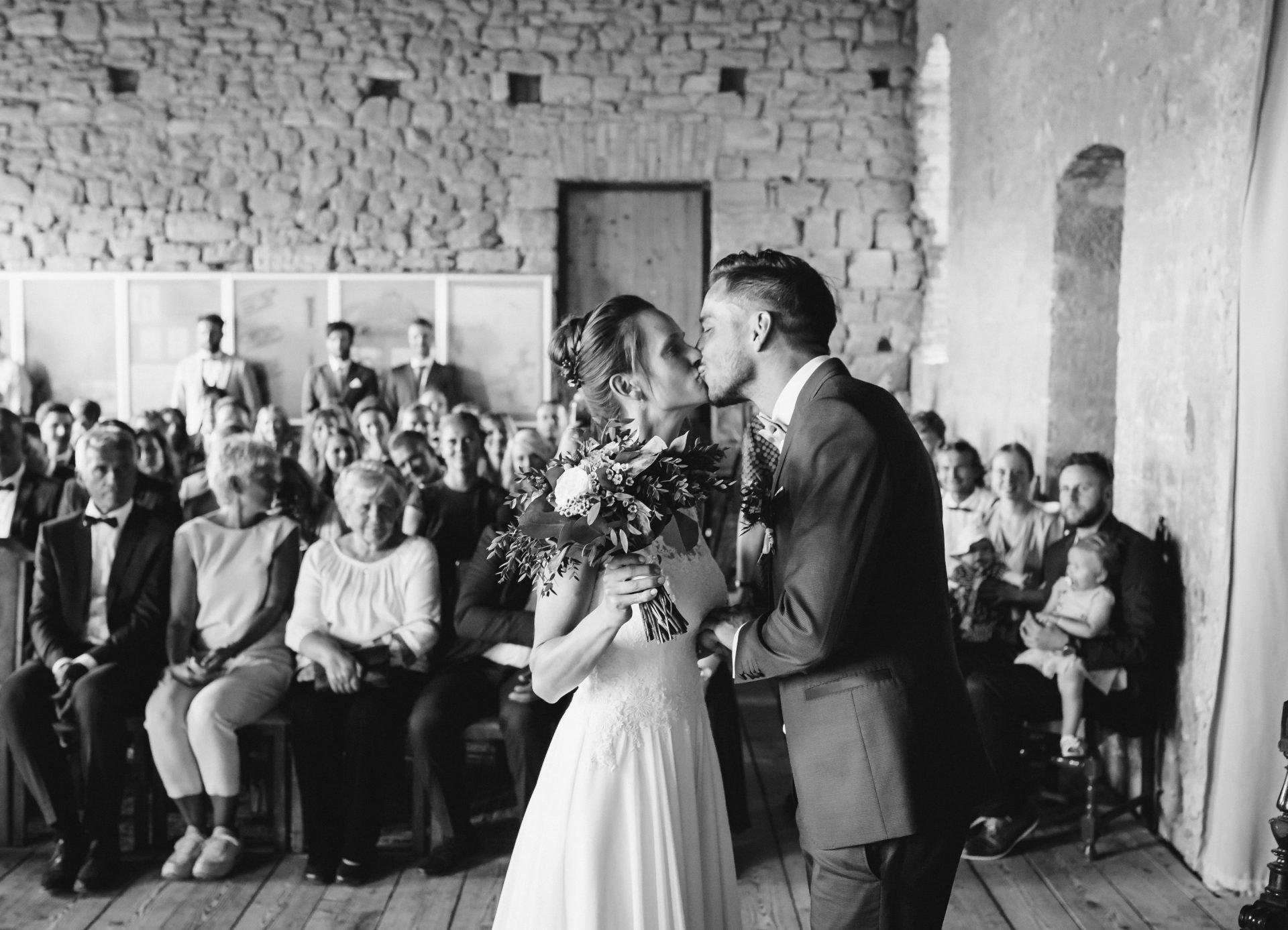 50mmfreunde Kranichfeld Hans am See Hohenfelden Hochzeit 0286 1920x1387 - Freie Trauung unter Freunden