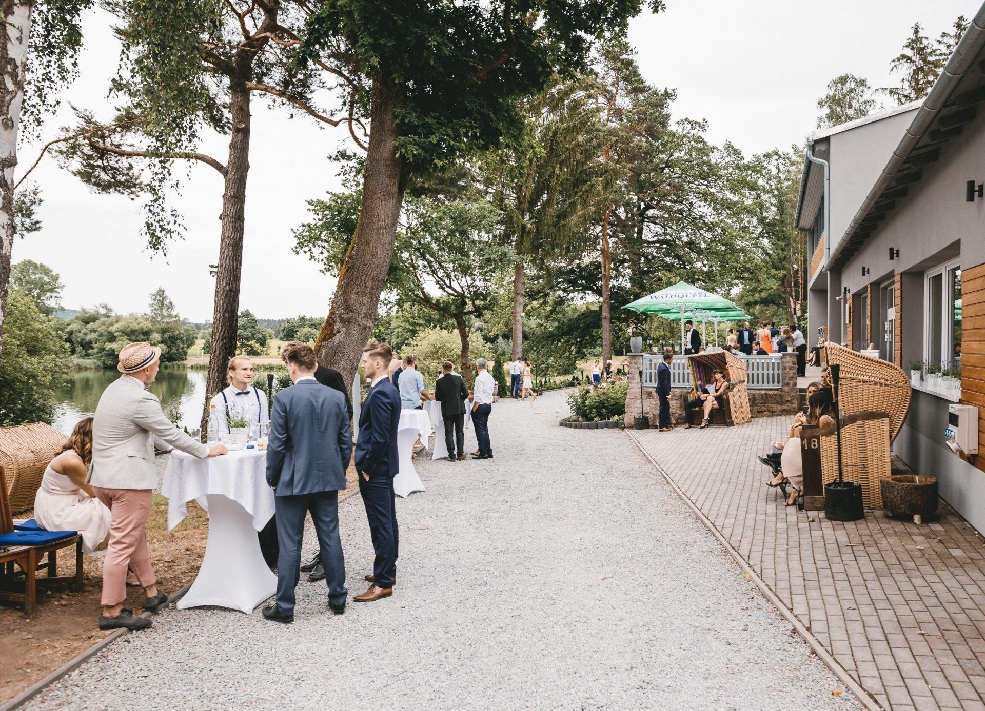 50mmfreunde Kranichfeld Hans am See Hohenfelden Hochzeit 1822 1920x1387 - Freie Trauung unter Freunden
