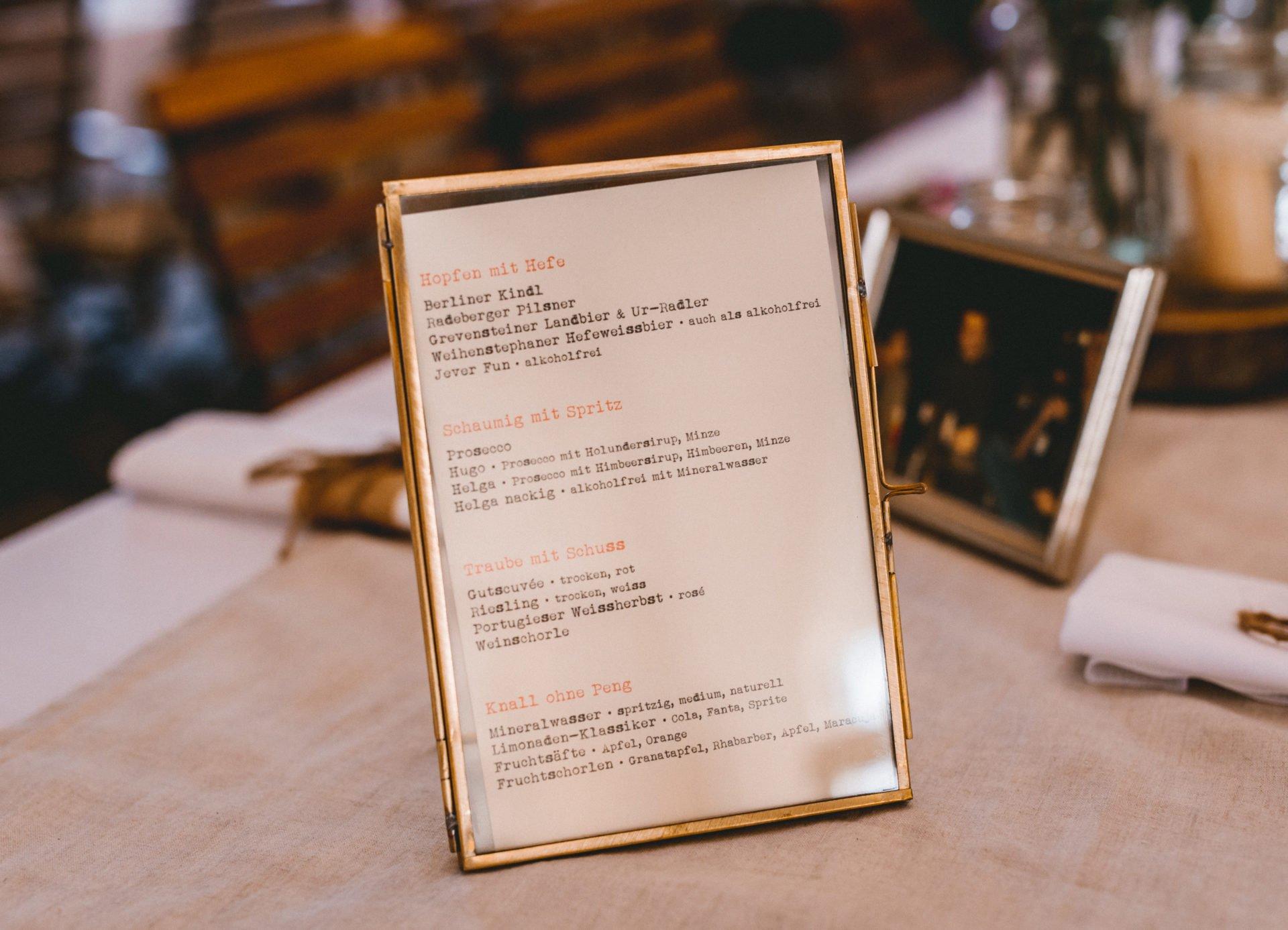 50mmfreunde Berlin Hochzeit 023 1920x1387 - Sommerhochzeit in dem Vierseithofcafé im Berliner Umland
