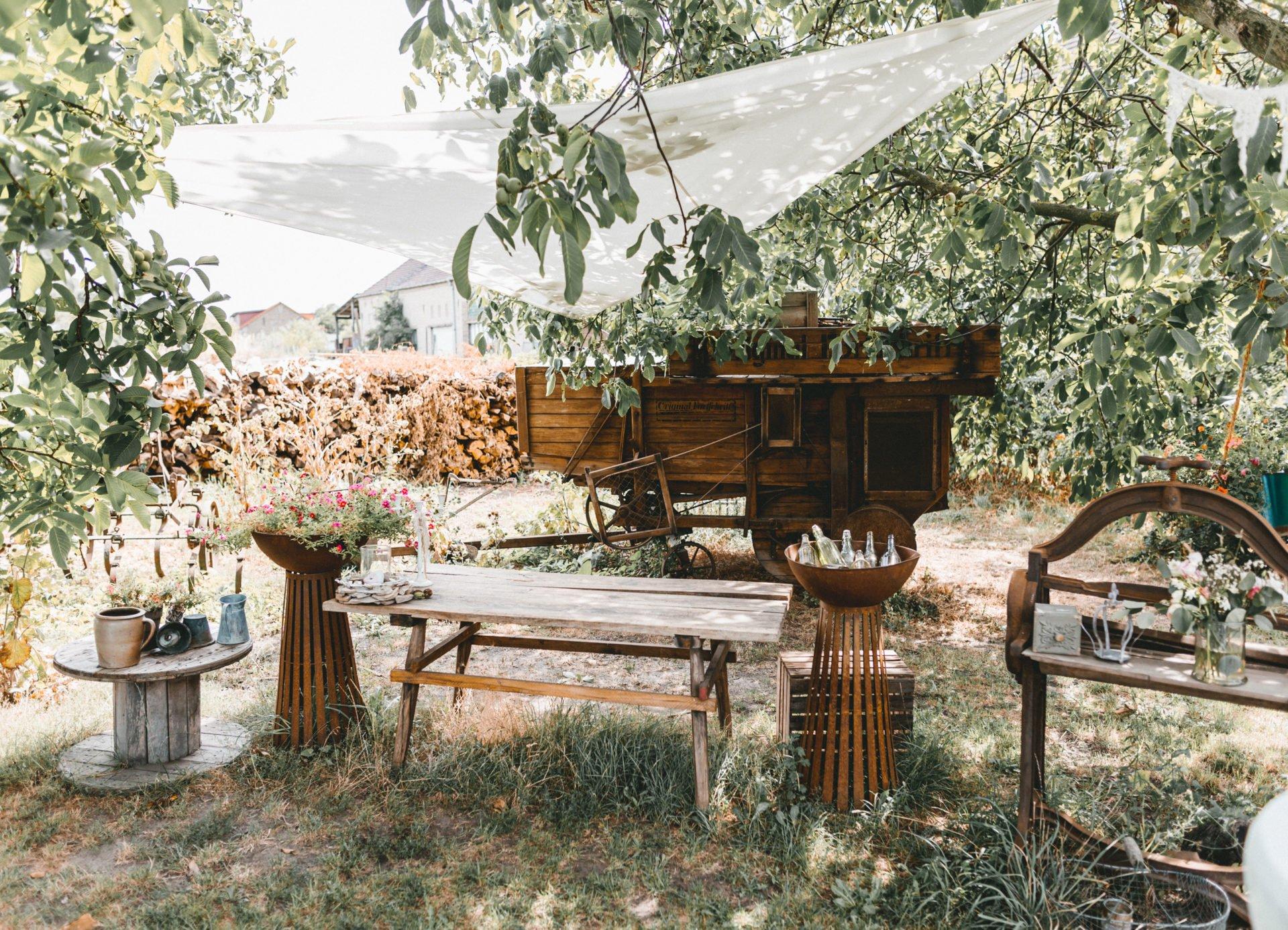 50mmfreunde Berlin Hochzeit 027 1920x1387 - Sommerhochzeit in dem Vierseithofcafé im Berliner Umland