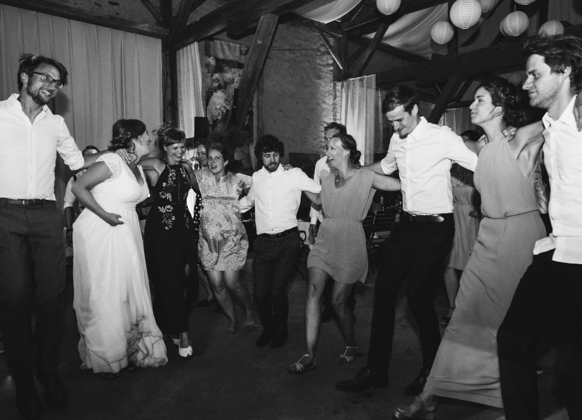 50mmfreunde Berlin Hochzeit 102 1920x1387 - Sommerhochzeit in dem Vierseithofcafé im Berliner Umland