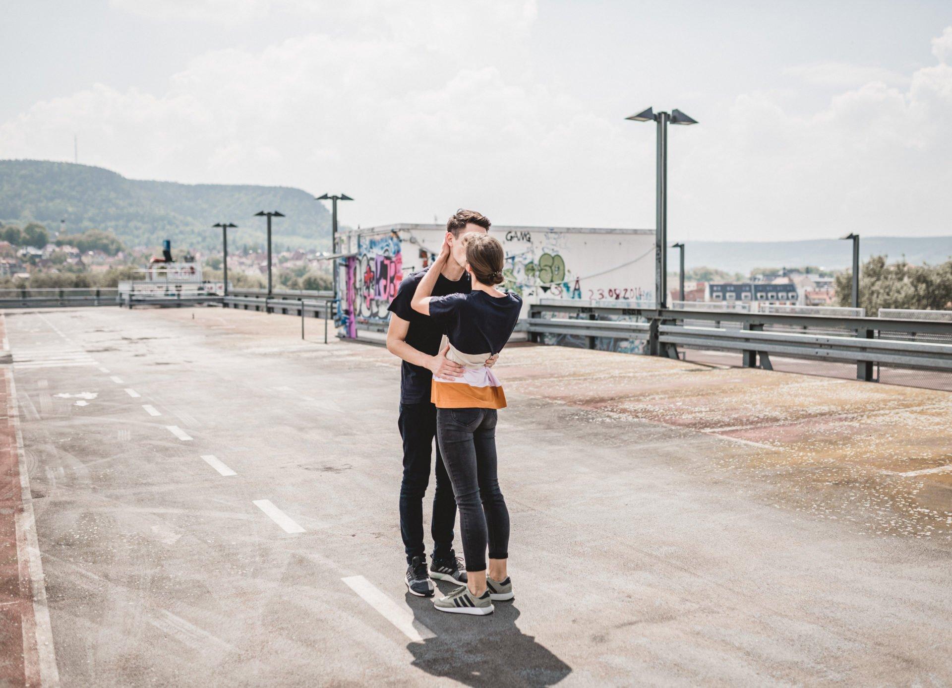 Liebesgeschichte | Liebesgeschichte auf der Jenaer Schillerpassage | 40