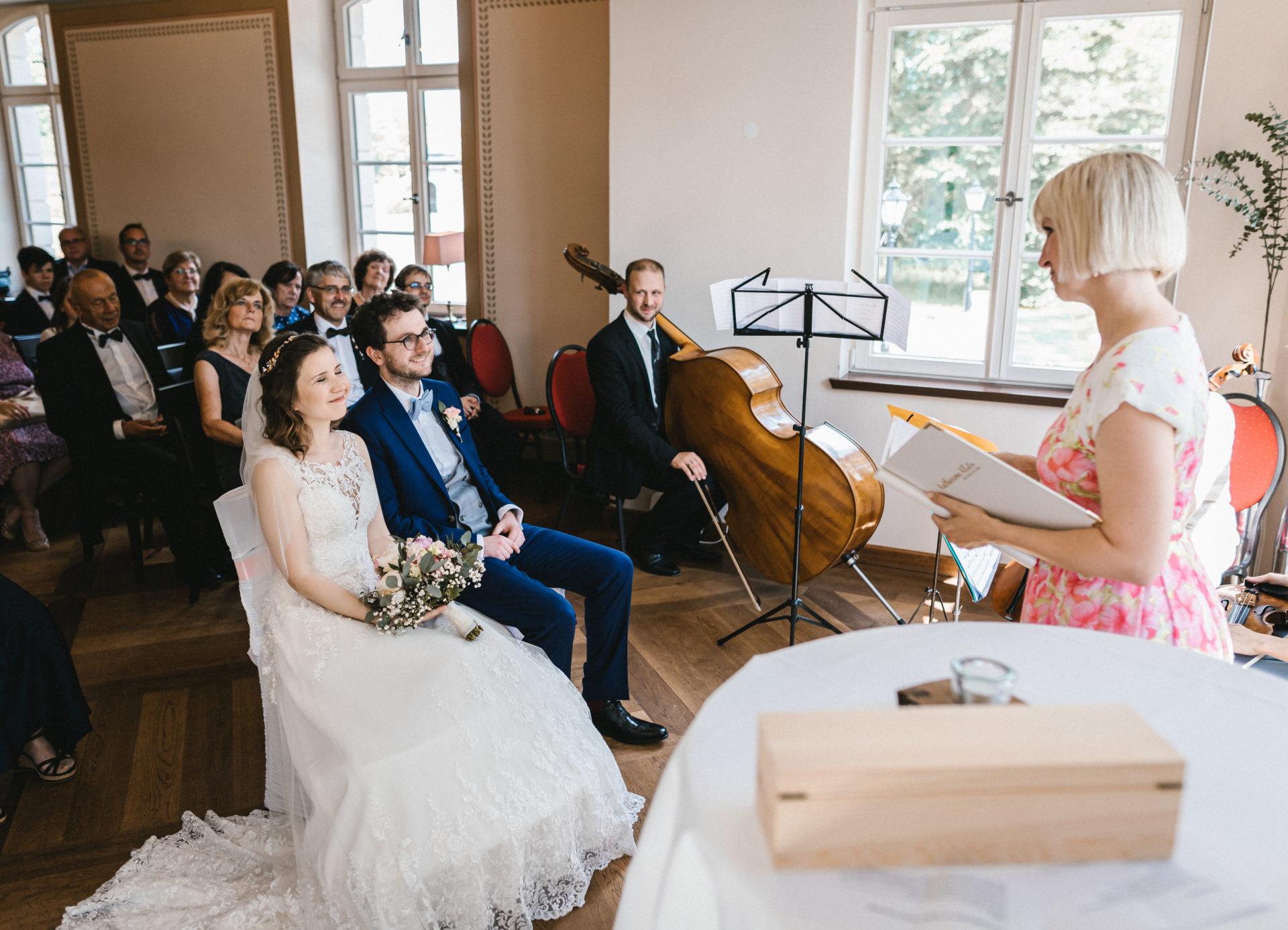 Hochzeitsreportage, Portfolio | Freie Trauung im Herrenhaus Möckern in Leipzig | 15