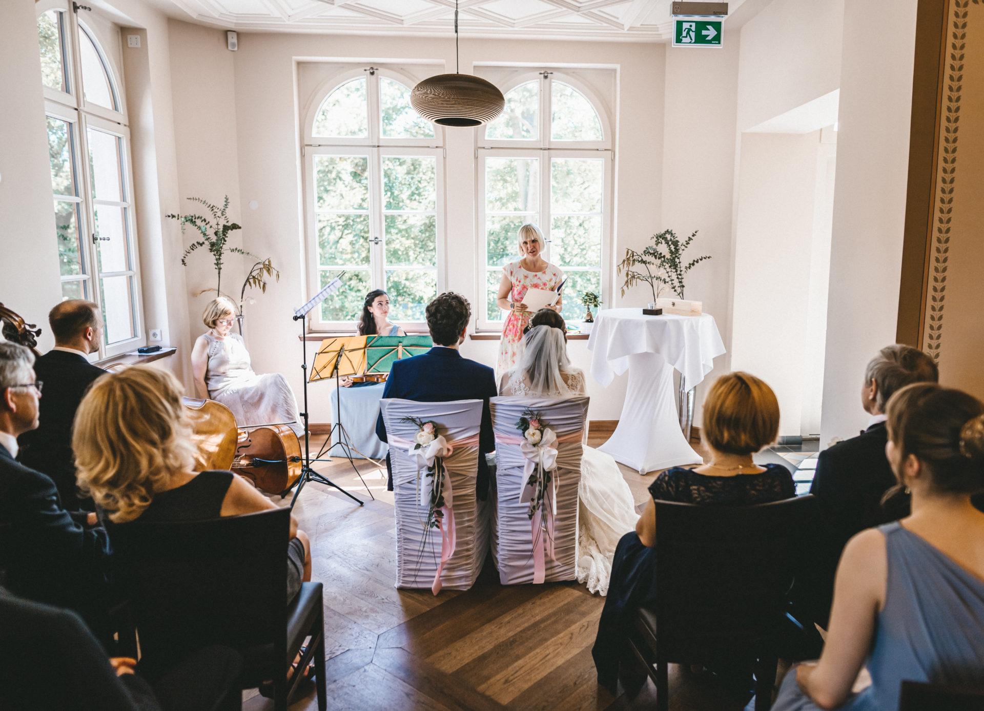 Hochzeitsreportage, Portfolio | Freie Trauung im Herrenhaus Möckern in Leipzig | 18