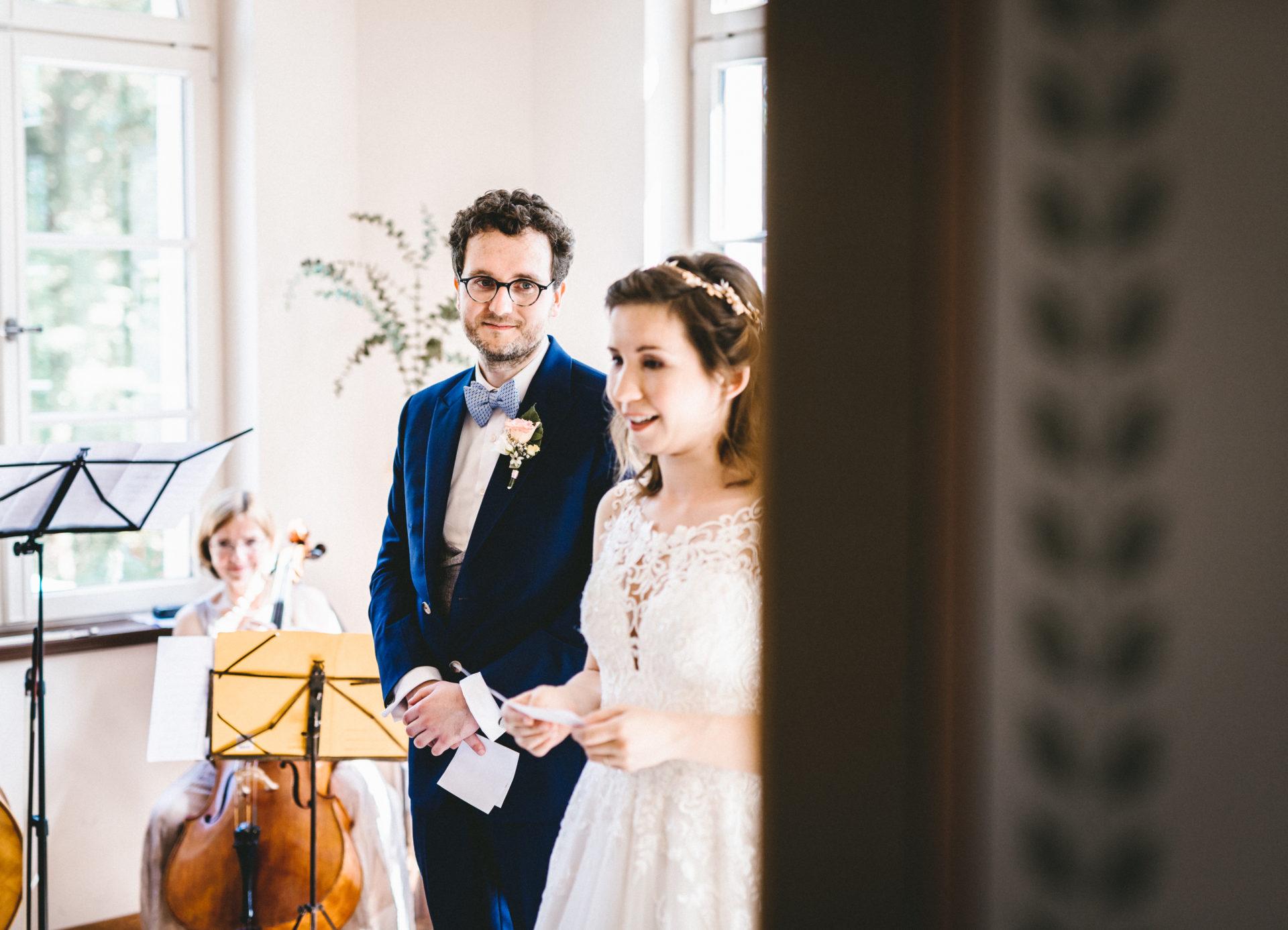 Hochzeitsreportage, Portfolio | Freie Trauung im Herrenhaus Möckern in Leipzig | 23