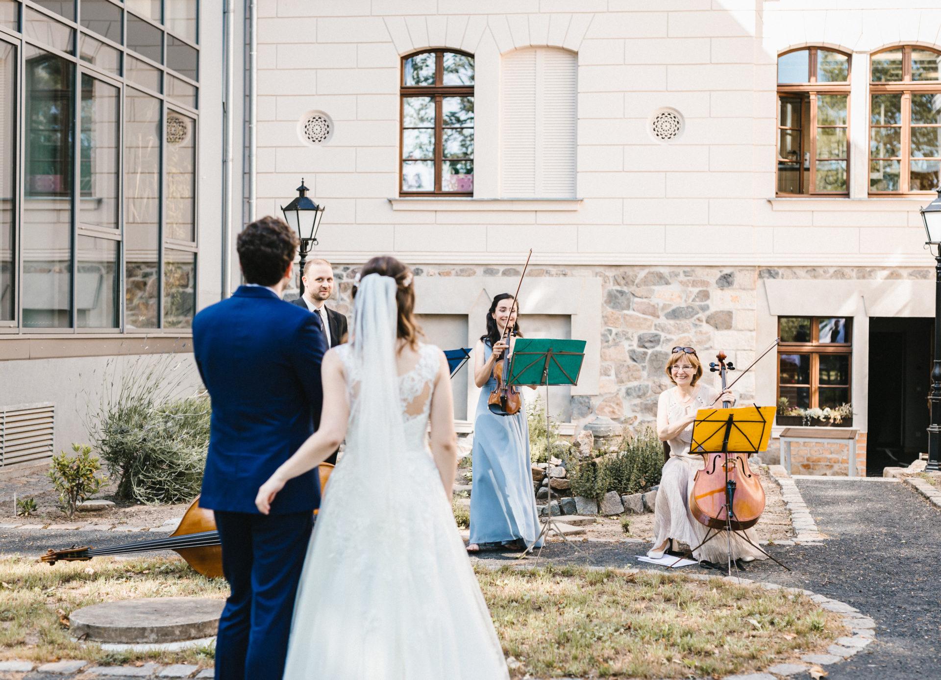 Hochzeitsreportage | Freie Trauung im Herrenhaus Möckern in Leipzig | 34